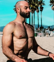 Derek Rubiano co-leads (with Laura Anderson) Partner/AcroYoga FUNdamentals , an AcroYoga workshop to be held April 27 at YogaWorks South Bay