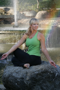 Erin Fleming leads Myofascial Release: MELT into Summer!, a MELT Method workshop series @ YogaWorks Mill Valley in Marin County May 4, June 8, July 20, August 10.