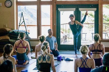 Lighting the Path Morning Intensives, a 5-day workshop series to be led by vinayas flow yoga teacher Pete Guinosso June 10-14 at Yoga Tree SF Potrero in the San Francisco Bay Area.