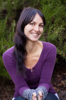 Sara Hess will teach Heal Your Neck! Unraveling Knots of the Neck, Shoulders +  Upper Back, a yoga workshop to be held October 20 at YogaWorks SF San Francisco.
