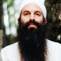 Jai Dev Singh, who will lead Opening the 10th Gate: A Equinox Kundalini Yoga Activation, a kundalini workshop to be held Sunday, September 22 at  Yoga Tree Telegraph in the Berkeley East Bay area.