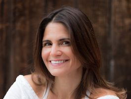 Jillian Pransky leads the 62-hour Restorative Yoga Teacher Training January 24-31, 2020 at YogaWorks NYC Soho in New York City.