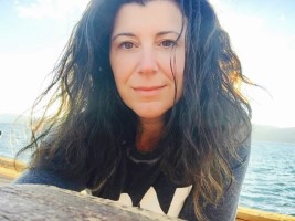 Melanie Salvatore-August leads Introduction to Sanskrit Chanting and Sound Meditation, a yoga energetics, sound bath and meditation workshop on Saturday, May 23 @ YogaWorks Walnut Creek in the Contra Costa Cty East Bay area.