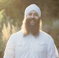 Seva Simran Singh leads a New Year's Eve Kundalini Yoga workshop December 31, 2019 @ Yoga Tree SF Potrero in the San Francisco Bay Area.