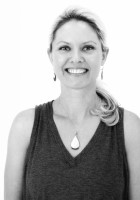 Jennifer Elliott leads Yin Yoga & The Koshas Teacher Training, a live streamed online yoga training to be broadcast on Zoom November 7-8 & 14-15.