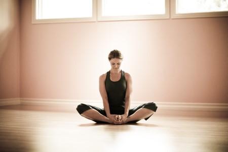 Jennifer Elliott leads Yin Yoga & The Koshas Teacher Training, a live streamed online yoga training to be broadcast on Zoom November 7-8 & 14-15.